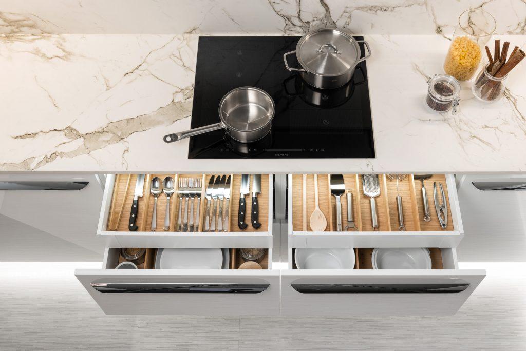 Zvoľte si tie správne rozmery a tvar kuchynskej linky.