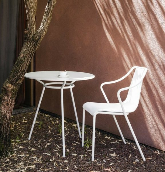 OLA stolička interiérová aj exteriérová