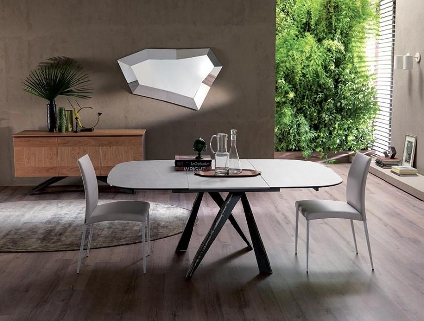 bombo drevený jedálenský stôl