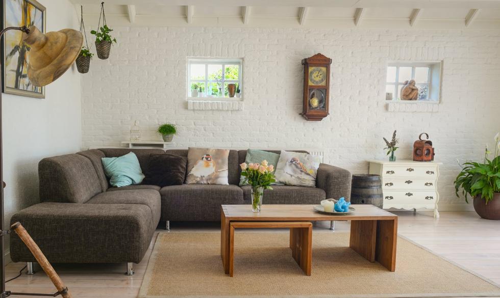 Málo miesta v obývačke? Rohová sedačka je sviežim riešením