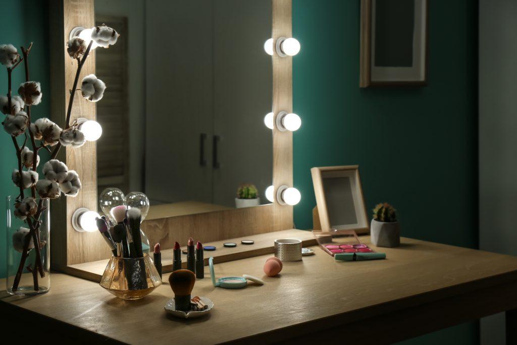 Toaletný stolík snov: 5 tipov na dekorácie