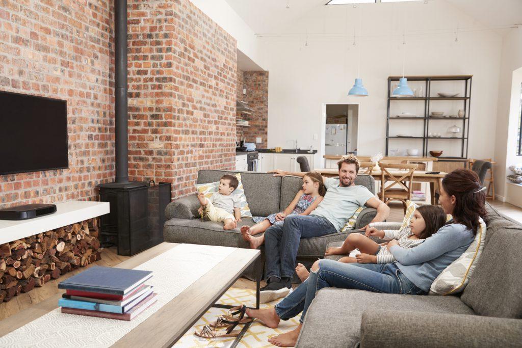 5 dôvodov, prečo si dať lavicu do kuchyne a televízor do obývačky