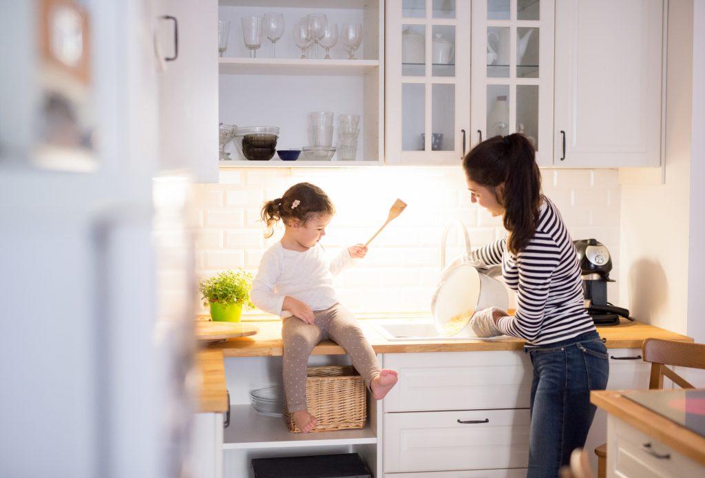 Malé kuchyne: 5 praktických tipov ako ušetriť miesto