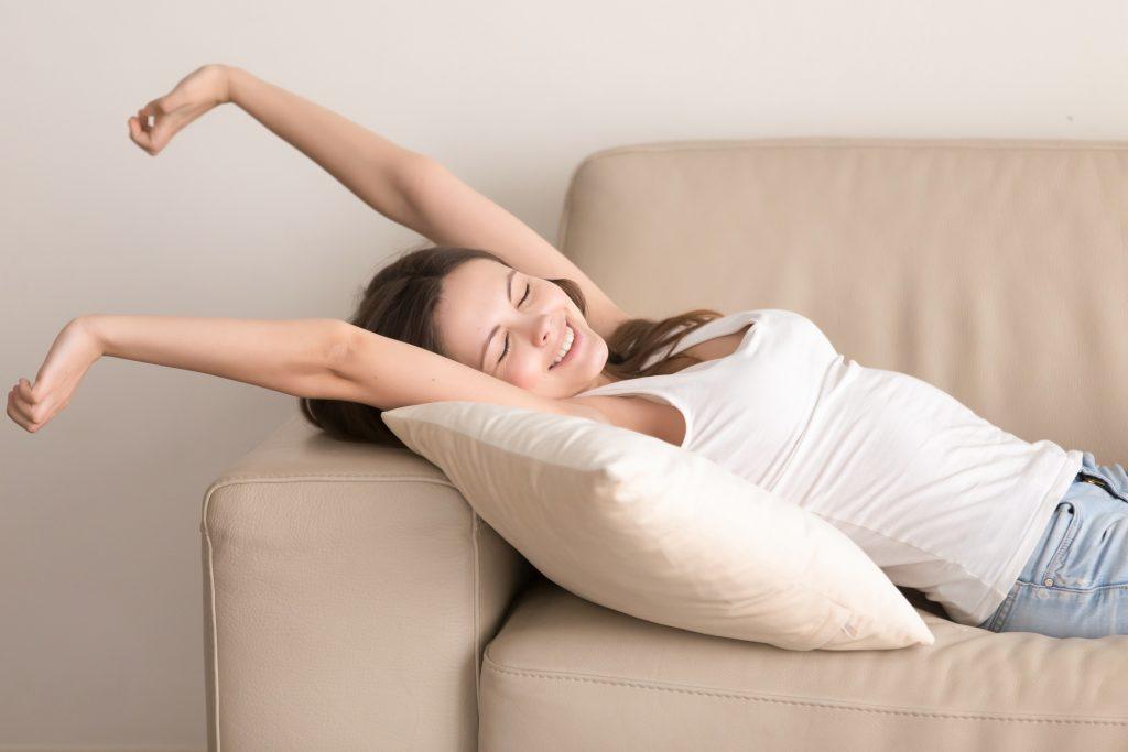 Pohovky na každodenné spanie – z akých typov si vybrať?